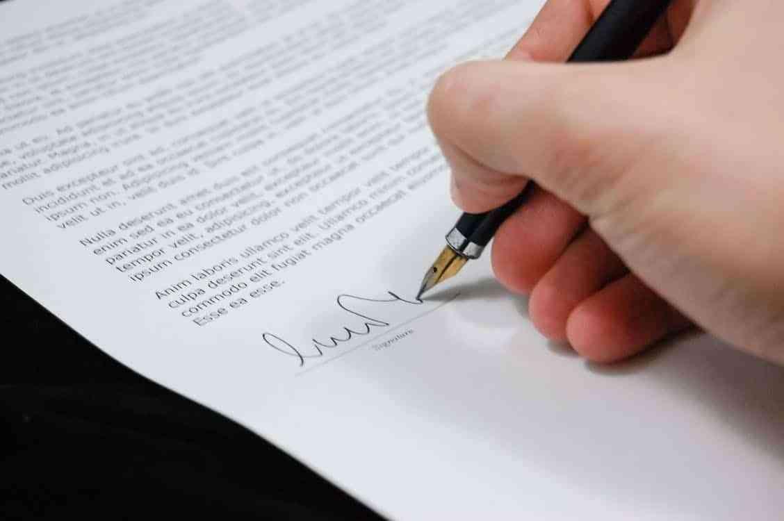 Tłumaczenia prawnicze online - oferta biura tłumaczeń online