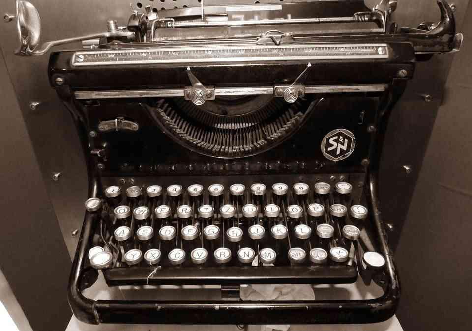 Biuro tłumaczeń online świadczy usługi copywriterskie